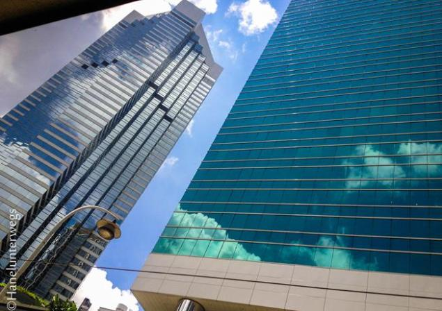 Hong Kong building, fromn lines ot patterns