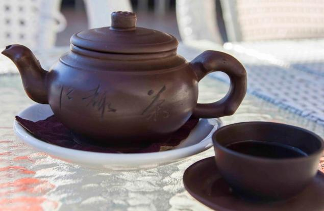 Chinese tea pot and cup
